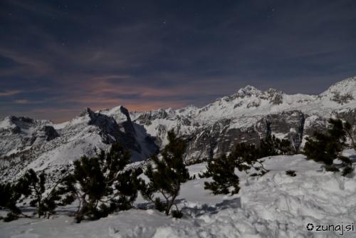 Nočni pogled na Triglav