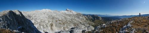 Panoramski pogled iz vrha Debelega vrha