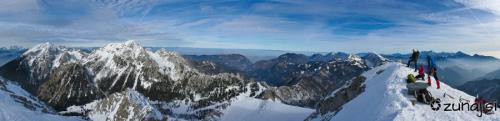 Panoramski pogled iz Begunjščice
