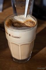 5€ bela kava