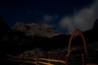 Debeli vrh ponoči