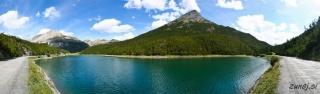 Majhno naravno jezero na vrhu