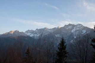 Iz leve: Goli vrh, Velika baba, Rinke, Dolgi hrbet, Grintovec, Kočni