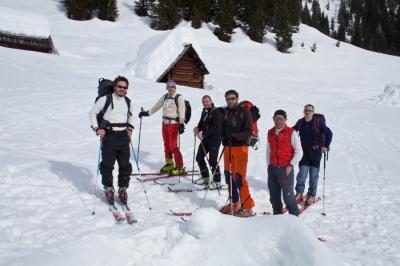 Skupina pred odhodom v dolino