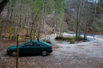 Popolnoma prazno parkirišče. Malokrat viden prizor.