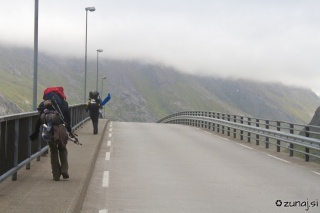 Orkanski veter na mavričnih mostovih