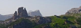 Pogled proti Cinque Torri