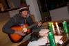 Bojan oglašuje kitaro