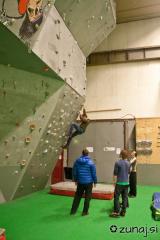 Plezalan stena v telovadnici