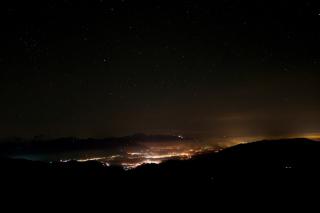Dolina pred polnočjo