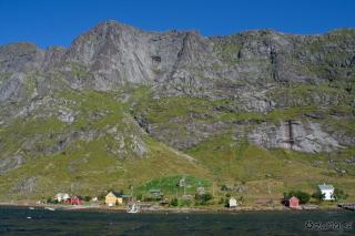 Naselje Rostad in istoimenski greben